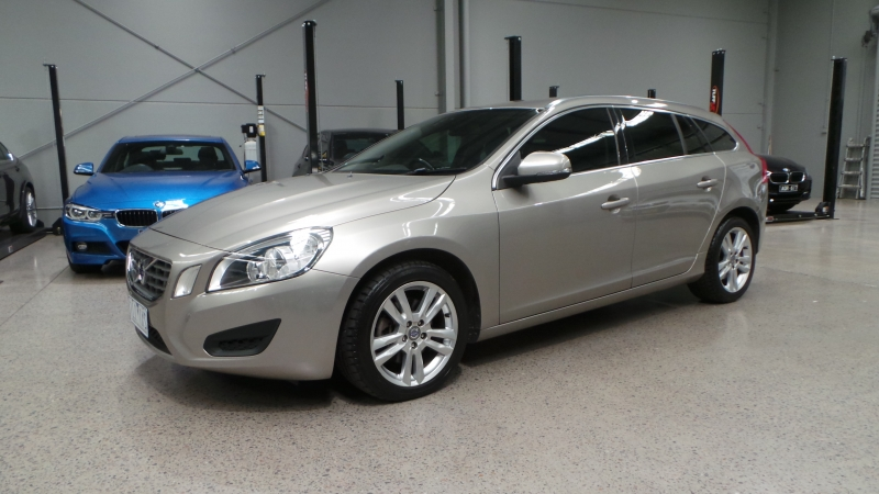 2011 Volvo V60 F Series MY12 D3 Teknik Wagon 5dr Geartronic 6sp 2.0DT