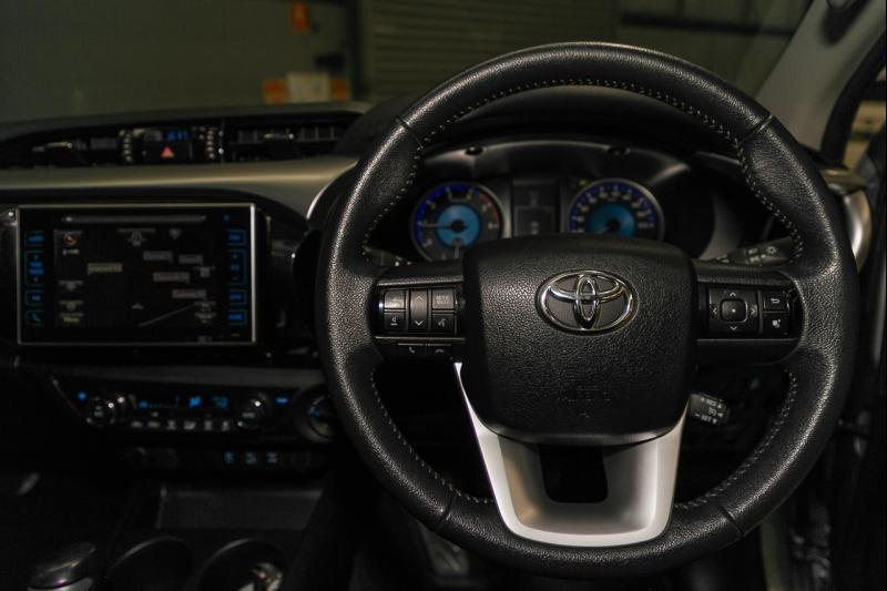 2016 Toyota Hilux GUN126R SR5 Utility Double Cab 4dr Spts Auto 6sp 4x4 925kg 2.8DT
